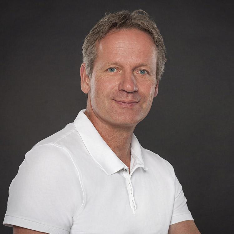 </p> <h3>Dr. med. Gerrit Bonacker</h3> <p>